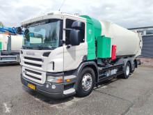 Maquinaria vial camión volquete para residuos domésticos Scania P 230