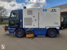 Macroclean camion cu echipament de măturat străzi second-hand