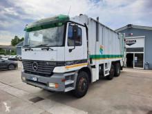 Maquinaria vial Mercedes Actros 1831 camión volquete para residuos domésticos usado