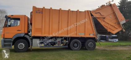 Mercedes Axor 2529 camion de colectare a deşeurilor menajere second-hand