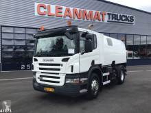 Camion balayeuse Scania P 230