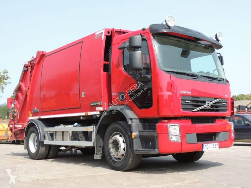 Vedere le foto Veicolo per la pulizia delle strade Volvo FE 300