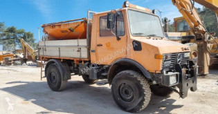 آلة لصيانة الطرق شاحنة كاسحة للثلج Unimog U1250