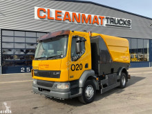 DAF LF 220 camion cu echipament de măturat străzi second-hand
