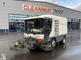 Camion cu echipament de măturat străzi Ravo 540 with 3-rd brush