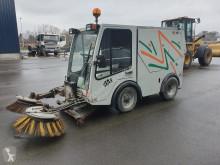 VEEGMACHINE camion cu echipament de măturat străzi second-hand