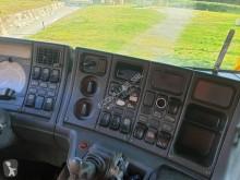 Voir les photos Engin de voirie Scania P124 420