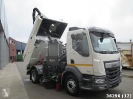 Vedere le foto Veicolo per la pulizia delle strade DAF LF 220