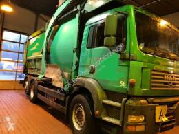 Vedere le foto Veicolo per la pulizia delle strade MAN TGA 26.360 Überkopflader 1 Hd Dfzg.