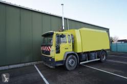 Vedere le foto Veicolo per la pulizia delle strade Volvo FL 220