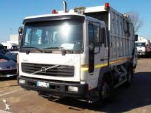 Vedere le foto Veicolo per la pulizia delle strade Volvo FL6 250