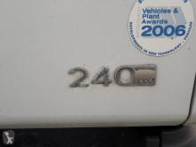 Voir les photos Engin de voirie Renault P240.18 BALAYEUSE