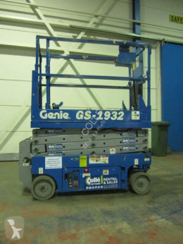 Genie GS-1932 aerial platform used self-propelled