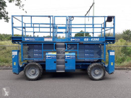 Genie self-propelled aerial platform GS-4390RT