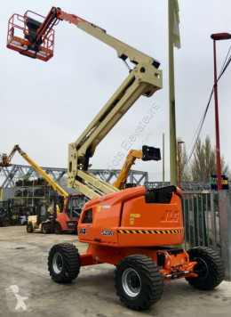 JLG 520AJ aerial platform used articulated self-propelled