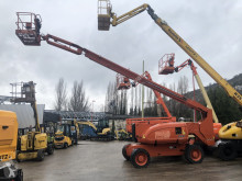 JLG articulated self-propelled 800AJ