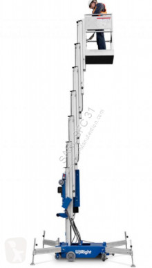 Plataforma automotriz Mástil vertical UpRight ML3330
