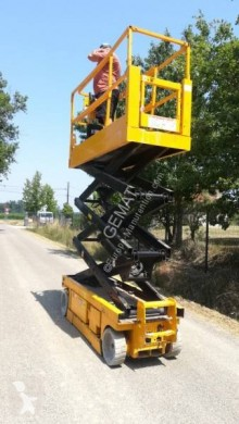 Genie GS-2032 used Scissor lift self-propelled