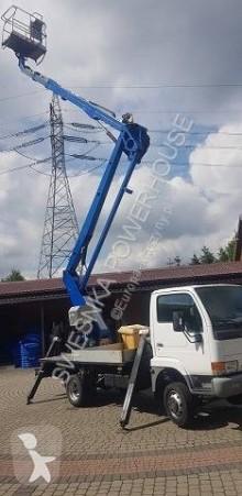Hoogwerker op vrachtwagen scharnierend Nissan SNAKE CITY 2112 (Nissan Cabstar) podnośnik koszowy przegubowy