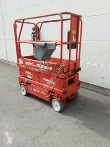 Selvkørend lift Sakseplatform UpRight MX15