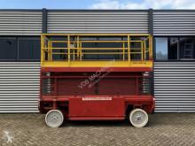 Nacelle automotrice Liftlux 153-E12 2WD hoogwerker schaarhoogwerker 2000