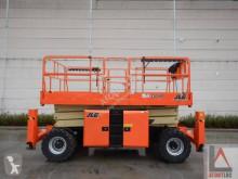 JLG 330LRT nacelă autopropulsată cu platforma tip foarfece second-hand