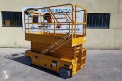 Vysokozdvižná plošina pracovná plošina na samohybnom podvozku Nožnicová plošina Haulotte compact 12