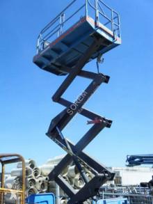 Plataforma elevadora Manitou plataforma automotriz de tijeras usada