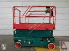 Haulotte Compact 12 gebrauchte selbstfahrende Arbeitsbühne Scherenbühne