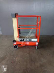 Bekijk foto's Hoogwerker JLG 830P manuell