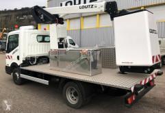 se bilderna Gondol Nissan Cabstar NT400