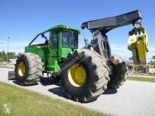 Lesnícky stroj Traktor na približovanie dreva John Deere 848L