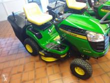 مساحات خضراء John Deere X146R جزازة عشب جديد