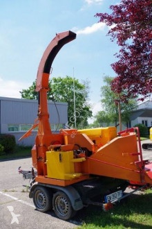 Eschlböck Broyeur de branches sur remorque used Wood chipper