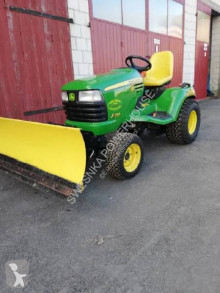 John Deere X748 4x4 Mașină de tuns iarba second-hand