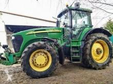 Vägbyggmaterial Matériel John Deere John Deere 7720 ciągnik rolniczy