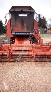 Deutz DEUTZ-FAHR M1320 kombajn zbożowy construction