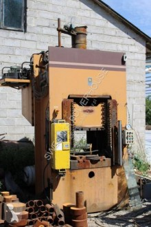 Material de obra Atlas Copco Hydraulic Press 250 ton high-speed gauntry, columnar otros materiales usado