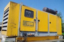Material de obra SDMO Groupe électrogène 280 KVA sur remorque grupo electrógeno usado