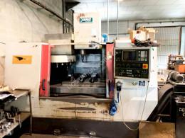 Material de obra Yang Eagle SMV-1000 CNC Machining Center otros materiales usado