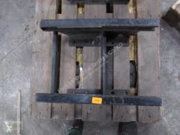 Deutz-Fahr Sauermann Anhängebock (kurz) passend für Deutz-Fahr Agrotron Náhradní díly k traktoru použitý