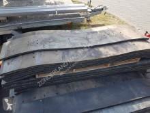 قطع غيار Zocon Rubbermatten 300 met staal 31x قطع تربية المواشي مستعمل