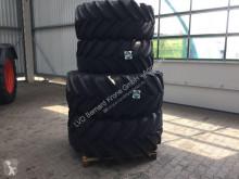Michelin 520R28 & 650R38 Neumáticos usado