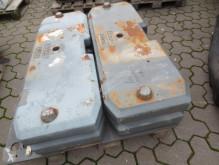 Pièces tracteur Claas 4 GEWICHTSPLATTEN FÜR XERION INKL. GRUNDPLATTE