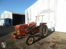 tractor agrícola Renault 56
