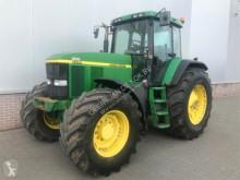 tractor agrícola John Deere 7710