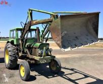 tracteur agricole John Deere 2120