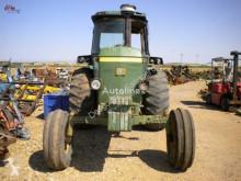 Trattore agricolo John Deere 4240 usato
