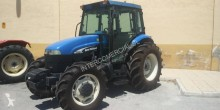 Tractor agrícola antiguo New Holland TD95D