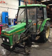 Tractor agrícola John Deere 2200 usado